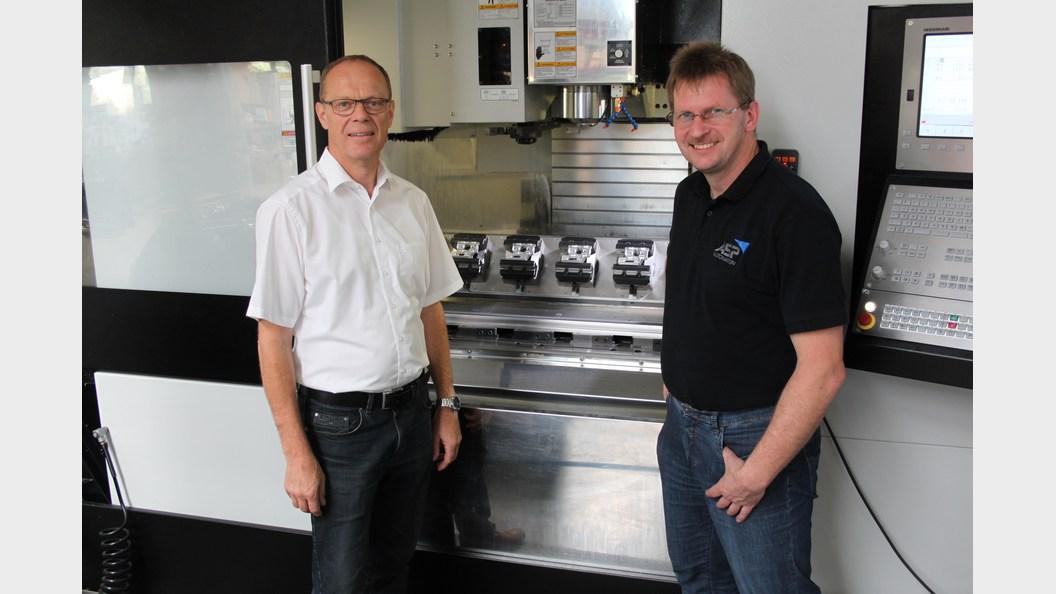 Re. Werner Schramm, Geschäftsführer ASP Automation GmbH, li. Günther Hirschburger, GRESSEL AG