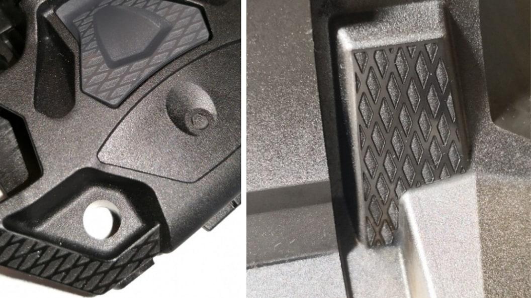 Bauteil aus Hightech Kunststoff mit Textur. Bearbeiteter Formeinsatz des Spritzgusswerkzeuges