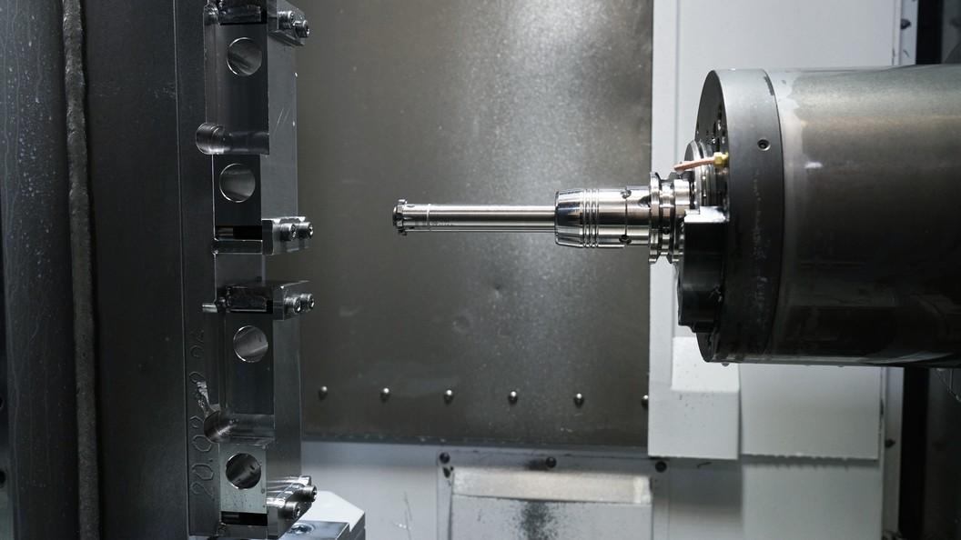 Lagerplatten werden mit den URMA RX Reibwerkzeugen besonders schnell und prozesssicher bearbeitet