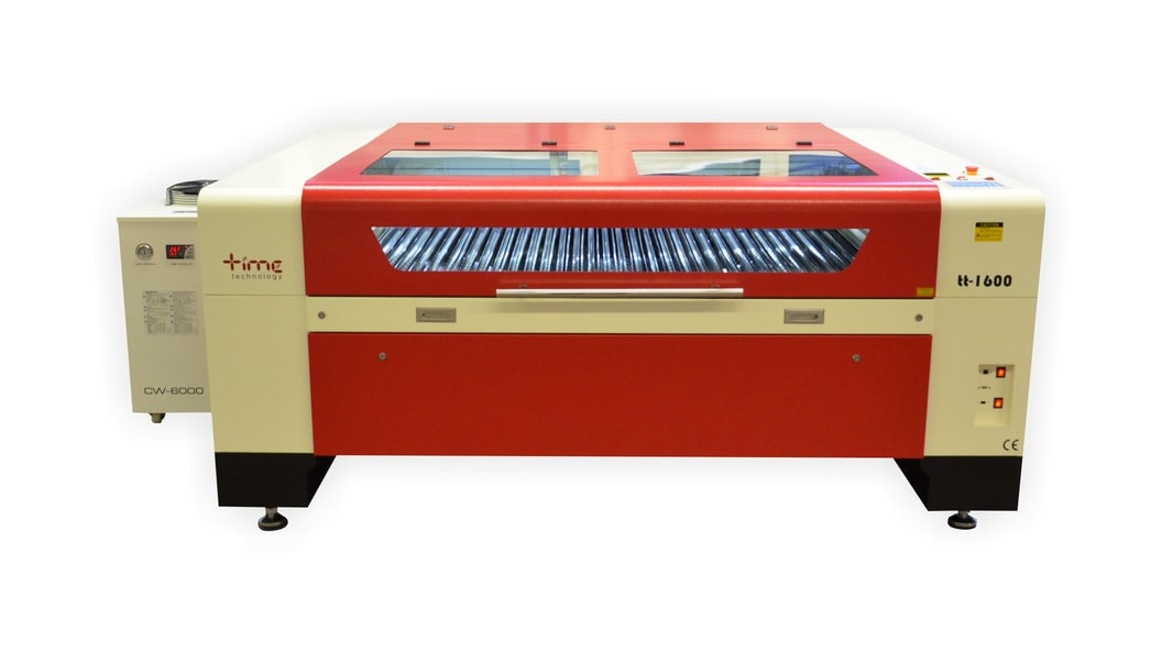 tt1600 has an ideal size (1.6 x 1 m) for example acrylic glass processing. All around hinged