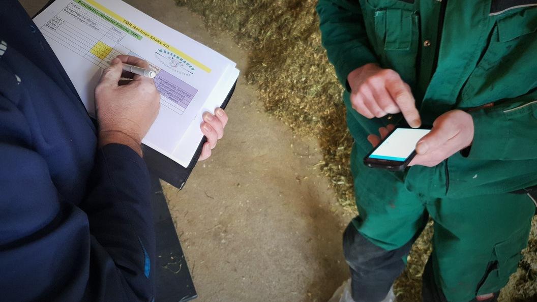 Der technische Dienst steht Ihnen für Fütterungspläne, Nährstoff- und Impex-Bilanzen zur Verfügung.