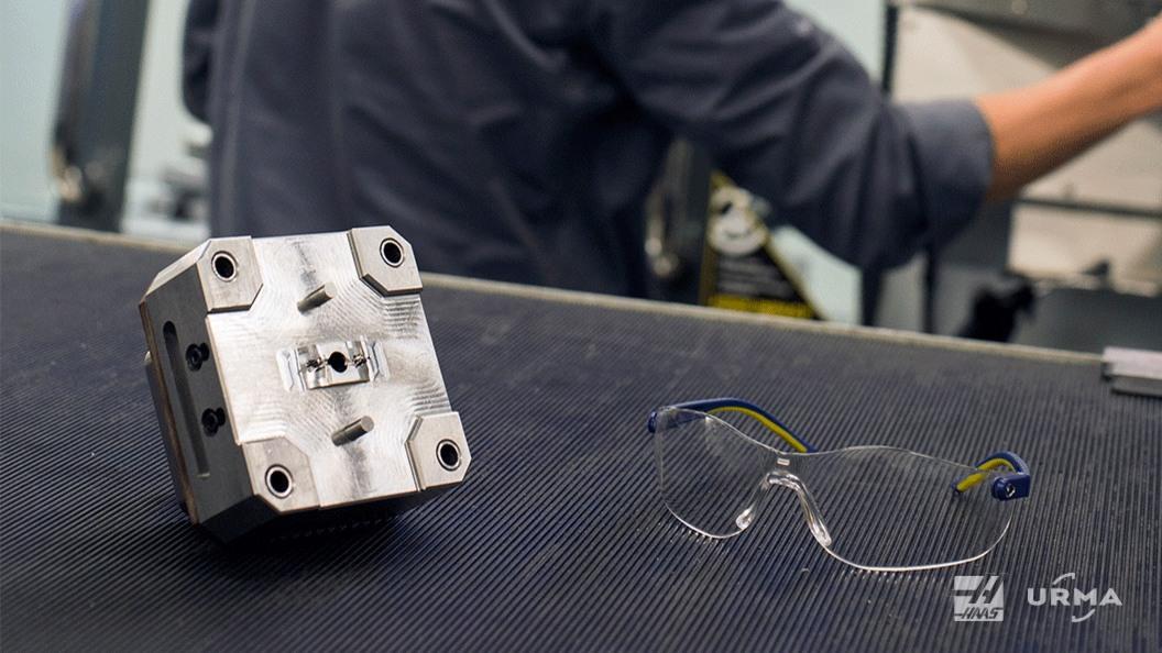 Die Elektroden werden ebenfalls auf der HAAS VF2-SS hergestellt