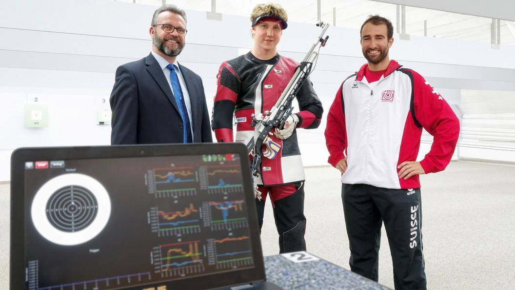 Jan Lochbihler nutzt im Training Daten der Kraft-Moment-Sensoren von SCHUNK.