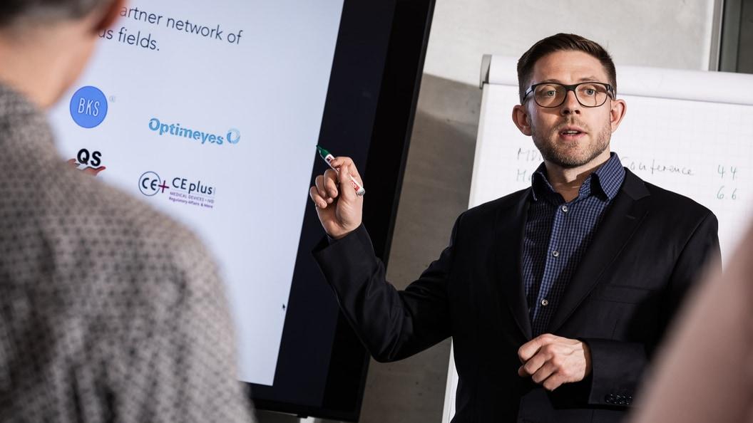 Beni Hirt, CEO und Mitgründer von Decomplix