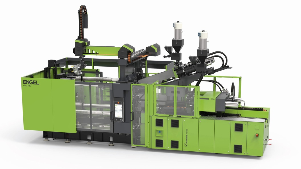 ENGEL developed a particularly compact manufacturing cell for the skinmelt process.