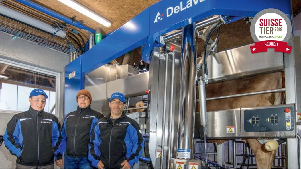 Vroni und Christian Oswald mit Sohn Jonas freuen sich über den gelungenen Bau.
