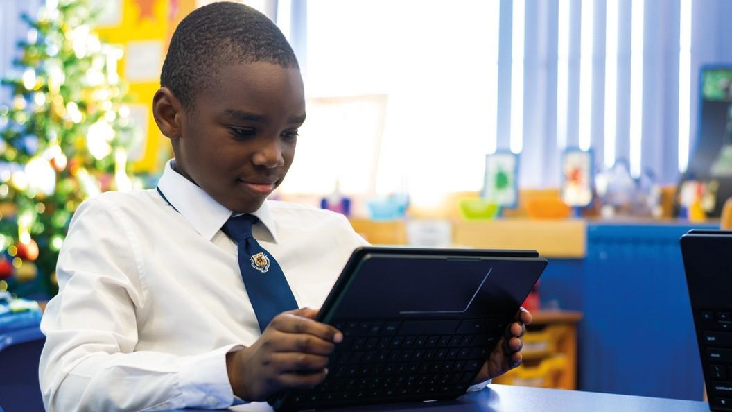 Das wandelbare und robuste 2-in-1 Tablet-Notebook für jedes Klassenzimmer.