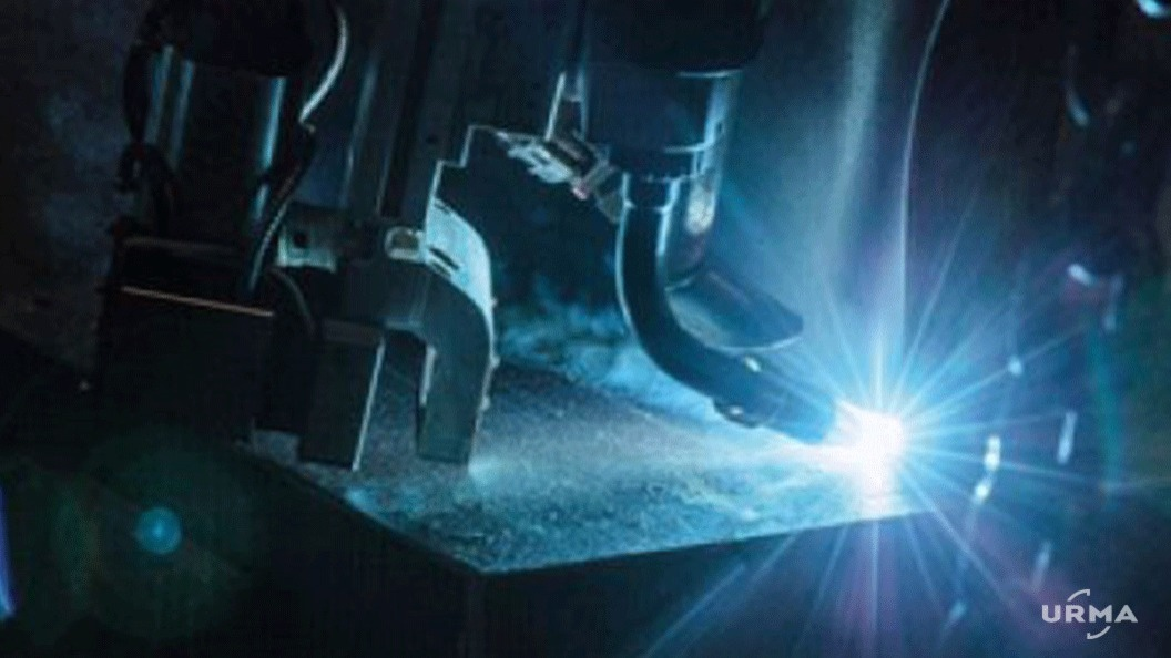 The Laser Hybrid process joins aluminum and steel parts at high speeds
