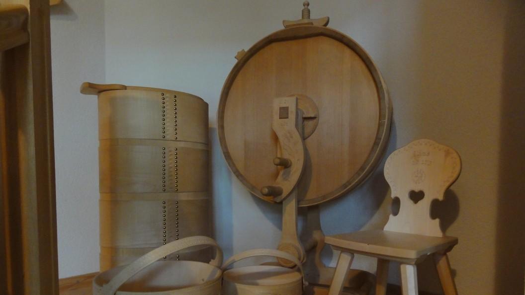 Traditionelles Weissküfer-Holzhandwerk