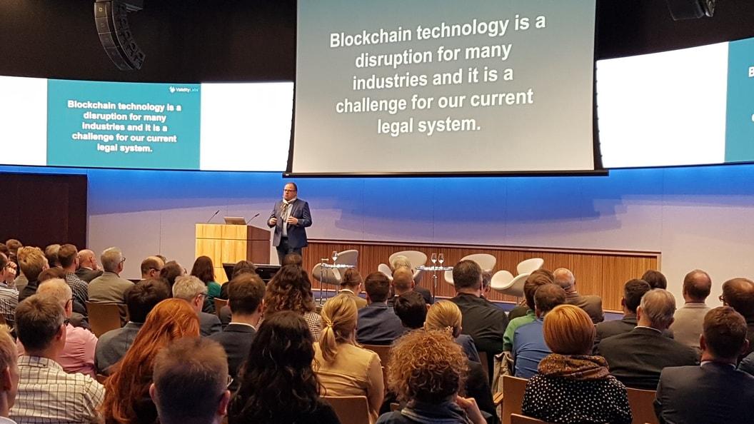 Blockchain ist eine wahre Disruption und damit eine grosse Herausforderung für unser Rechtssystem.