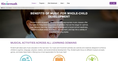 Kindermusik Benefits: baby smiles and laughs