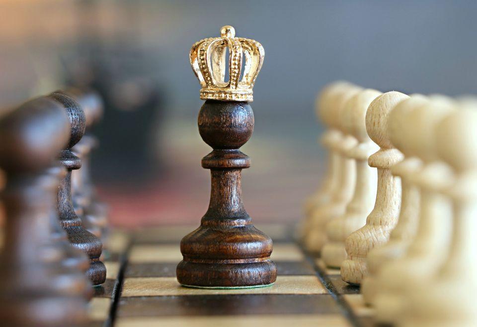 Ein König Zu Viel