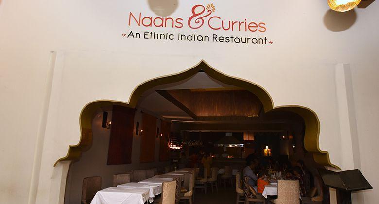 Naans-Curries-Pinares-comer-en-el-este-de-san-jose