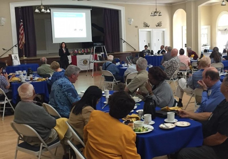 Yesterday, Food Science Assistant Professor Dr. Rosalee Hellberg gave a thought-provoking talk about her #FoodFraud research activities at the #Kiwanis Club of Santa Ana! A big thank you to the Kiwanis Club for this opportunity to connect with the community and for their hospitality!