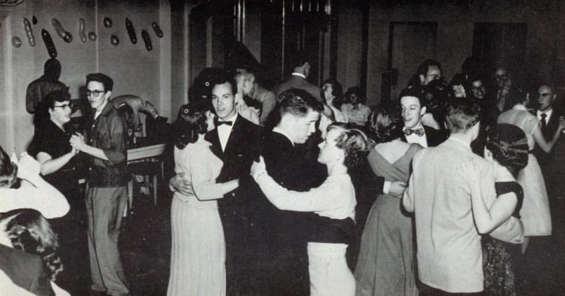 Did you know that dancing wasn't allowed at Chapman University until the 1940's? #ThrowbackThursday to a dance in the 1950's. Join Chapman University Program Board for the All Campus Formal: Yule Ball on December 9! chapma.nu/2gFk3kI