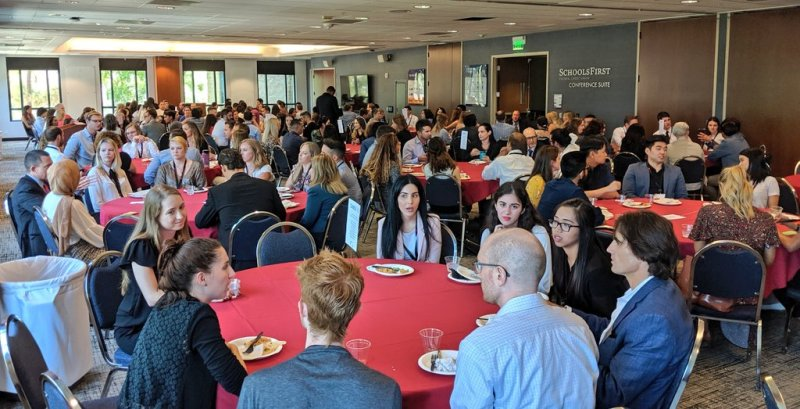 Our new law students get to know faculty and administration better over lunch at @ChapmanU's Argyros Forum. https://t.co/6YoPIMJZJQ