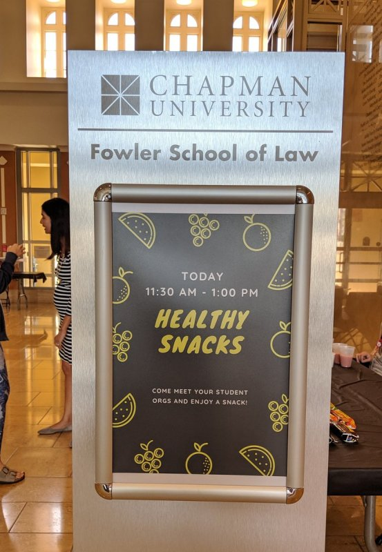 Wellness Week continues here at #chapmanlaw with healthy snacks provided by our student organizations. https://t.co/GVpwWGHWXp