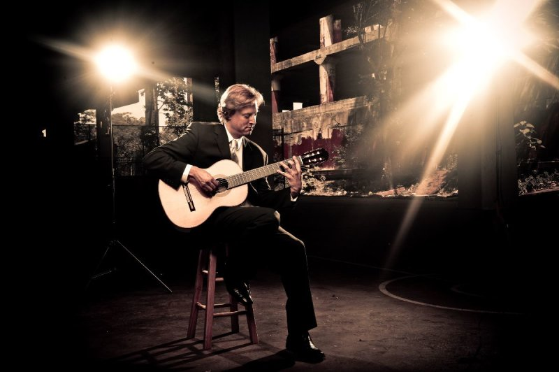 Classical Guitarist Jason Vieaux 🎸 Sun, March 15 - https://t.co/j2YT13wKdr https://t.co/kJdTmSQpZ7