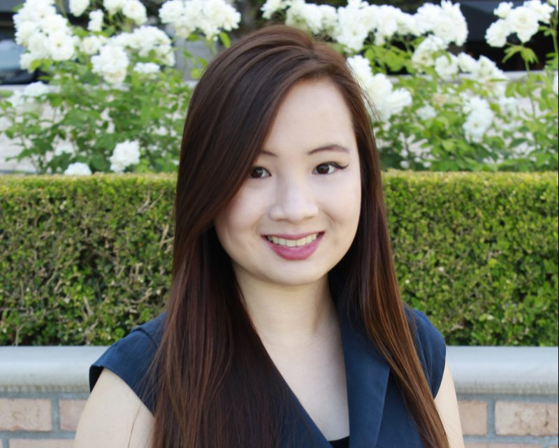 2020 Chapman University Distinguished Alumni Award: Mary Ngo, Pharm.D. ('19)