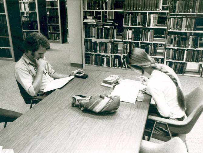 Photo: #ThrowbackThursday to students studying in 1980. This week, tables ...