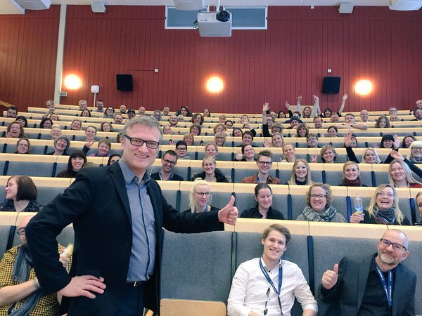 Photo: RT @NiklasMyhr: Full house in #Piteå @ltubusiness #socialmedia #dig...