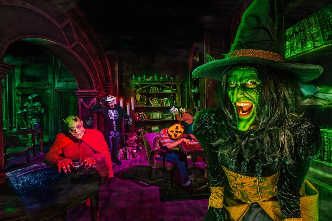 Photo: Win TWO Tickets to Knott's Scary Farm!