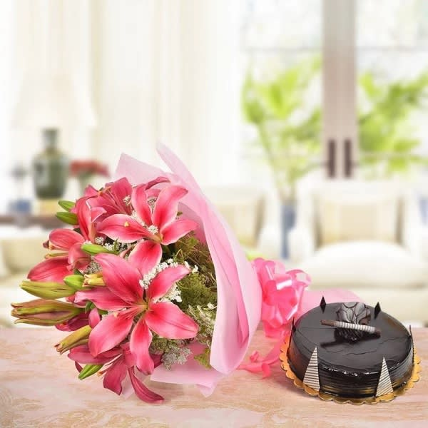 Pretty Desire for bouquet & cake