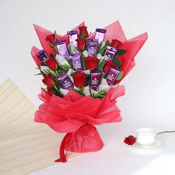 Enduring Love of dairymilk & red roses