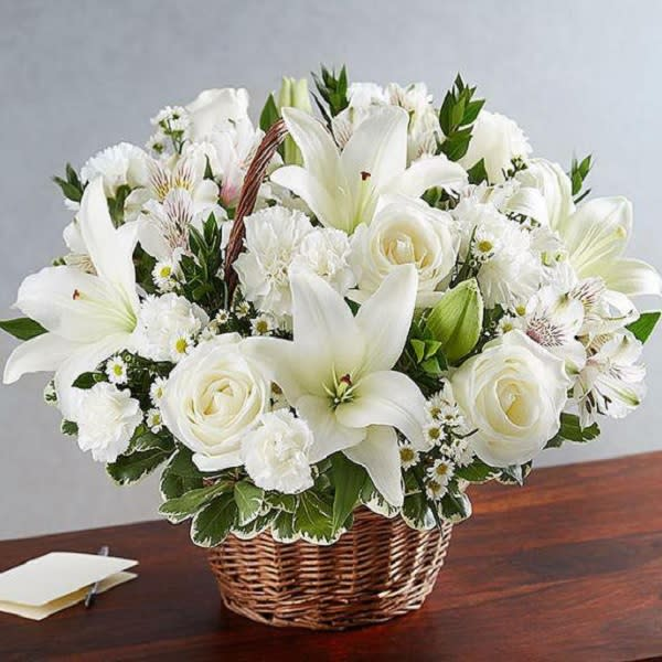 White Beauty basket of  whites lies