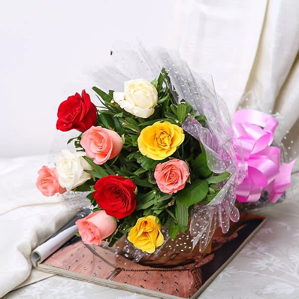 Simple Bouquet of 8 mix roses