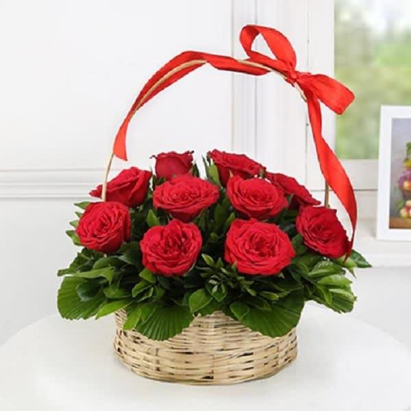 10 Red Rose Basket
