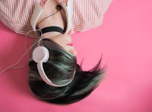 Poslech hudby, sluchátka
