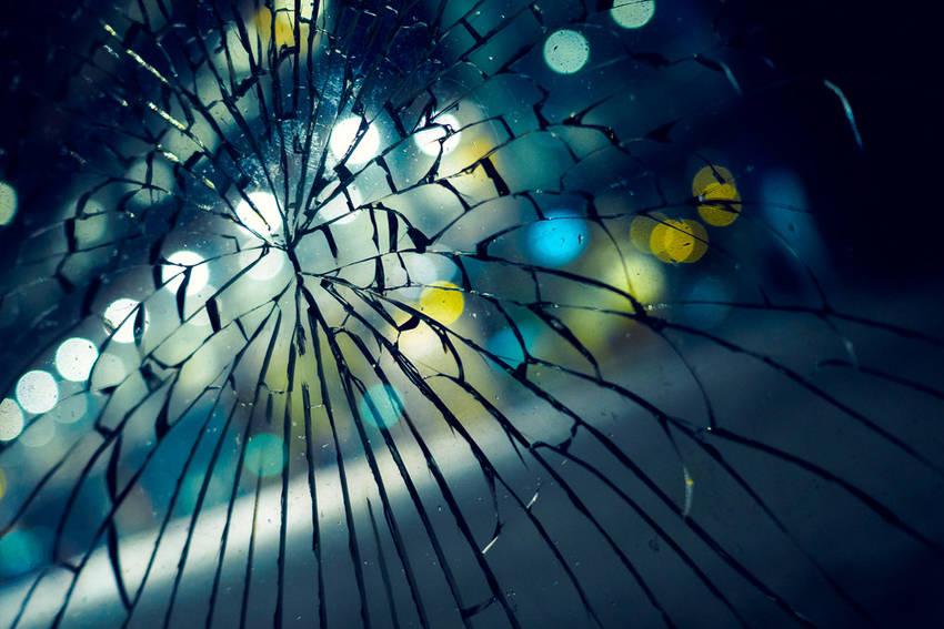Kaca Pecah dan Kegagalan