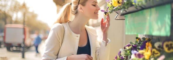 Why Do Women Like Receiving Flowers?