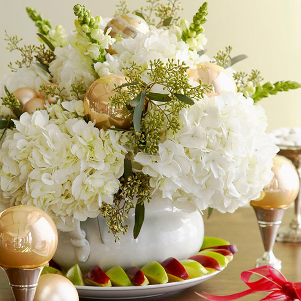 White flowers with Golden Ball
