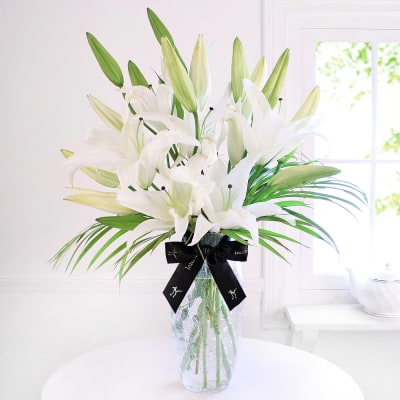 White flowers send white flowers online in india same day delivery graceful lilies mightylinksfo