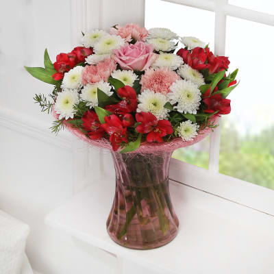 Red flowers send red flower bouquets red roses online in india pink perfect gift mightylinksfo
