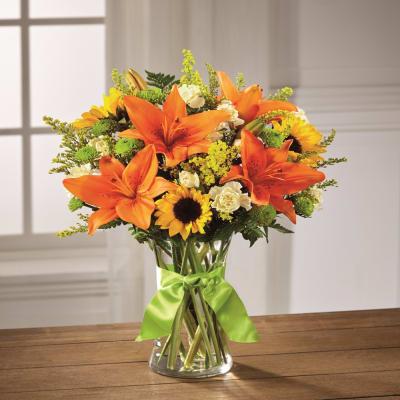 Send Sunlight Lily Bouquet