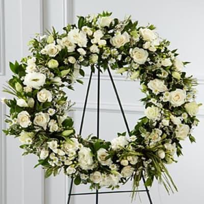 The FTD Splendor Wreath