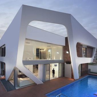 צורתו הגיאומטרית של הבית מבחוץ