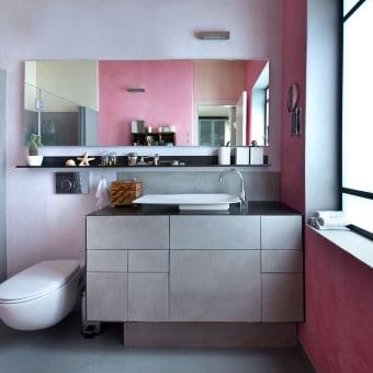 שילוב צבעים יוצא דופן לחלל חדר הרחצה