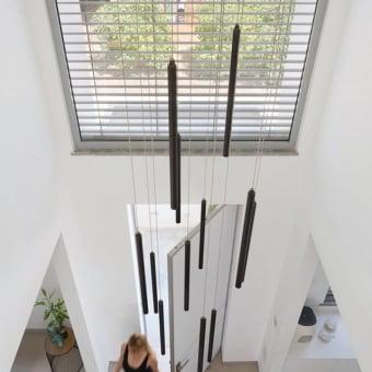 תאורה בכניסה לבית - בצורת טיפטופים