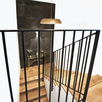 חדר מדרגות מעוצב ומזמין