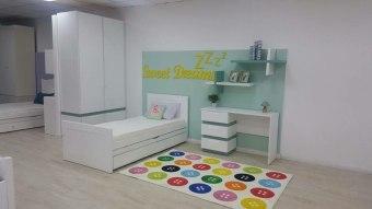 חדר ילדים הכולל מיטה 120/190 + מיטת חבר עם מגירות +שולחן כתיבה  120 + כוורת בעיצוב נאו מודרני תלוייה + ארון + מזרנים אורטופדים ניתן לבחור צבעים ומידות