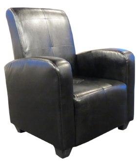 """כורסא מעוצבת מדמוי עור דגם שאקירה כורסא יפיפיה המשלבת גם עיצוב וגם נוחות. מתנה לרוכשים כרית נוי תואמת! הפתרון המושלם המעניק גם עיצוב לסלון וגם פתרון לכורסת נוחה ומפנקת.  שילדה מעץ מלא. ריפוד מדמוי עור רך ונעים למגע הכולל תיורים לאורך הכורסא להשלמת המראה. הכורסא מתאימה לחדרי מגורים בסגנונות שונים. מוצר ברמות גימור ועשייה גבוהוים במיוחד. כורסא בעלת ישיבה אורטופדית ותמיכה לכל חלקי הגוף. רגלי הכורסא מפלסטיק קשיח לעמידות הכורסא לאורך זמן. צבעים לבחירה מדמוי עור: חום כהה, שחור, לבן, אופוואיט  מידות בס""""מ: רוחב: 70 ס""""מ עומק: 70 ס""""מ גובה: 95 ס""""מ"""