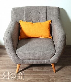 כורסא מעוצבת דגם אלואיז מבית Vitorio Divani, ייבואן רשמי של מוצרי ריהוט לבית. הריהוט מגיע בגימור מושלם ובאיכות בלתי מתפשרת תוך שימוש בחומרי איכותיים להבטחת עמידות לאורך זמן.
