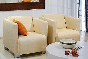 כורסא מדגם קרןלה מבית Vitorio Divani, ייבואן רשמי של מוצרי ריהוט לבית. הריהוט מגיע בגימור מושלם ובאיכות בלתי מתפשרת תוך שימוש בחומרי איכותיים להבטחת עמידות לאורך זמן.