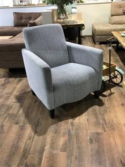 כורסא מעוצבת מקולקציית הום דיזיין 2017 במגוון עורות ובדים