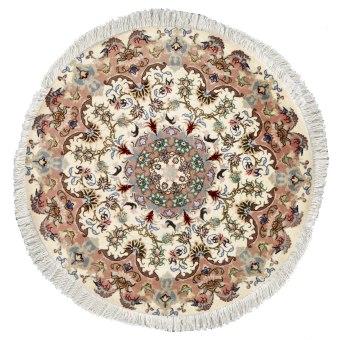 שטיח שמקורו בעיר טבריז שבפרס, הנמצאת בצפון מערב פרס. בעיר זו הוקם בית האריגה הראשון. שטיח קלאסי, לרוב עם מדליון, אשר ארוג בחוטי צמר על בסיס כותנה או משי,