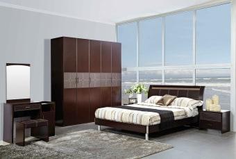 חדר שינה דגם Jenny חדר שינה בעיצוב עכשווי, קווים נקיים המשלב צבע של חום כהה לאווירה חמה עם אלמנטים בהירים לשבירת הצבע. חדר שינה קומפלט הכולל: מיטה זוגית עם ראש מיטה מרופד,